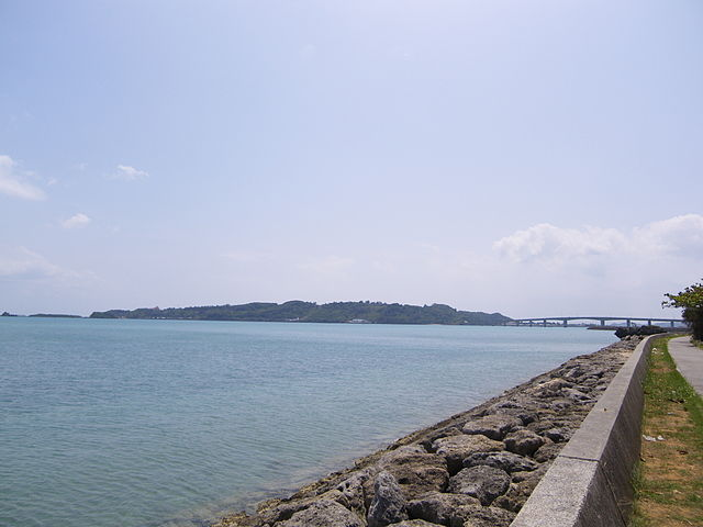 hamahiga-island-in-central-okinawa