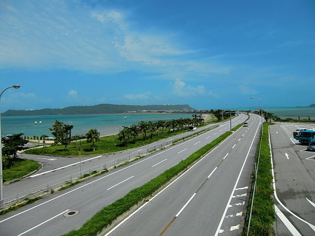 kaichu-road-in-central-okinawa