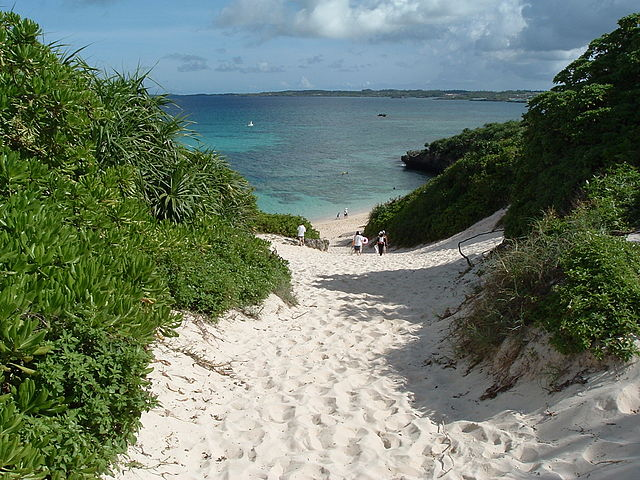 sunayama-beach-in-miyako-islands