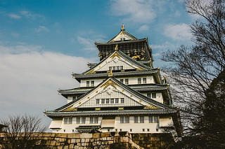 osaka-castle-in-central-osaka-city