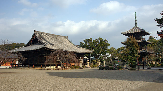 dojo-ji-temple-in-wakayama-city-surroundings