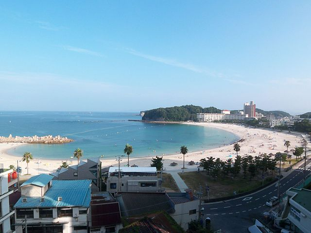 shirarahama-beach-in-nanki-shirahama