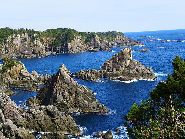 umikongo-rock-in-nanki-shirahama